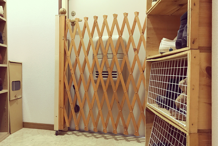 玄関の猫脱走防止柵